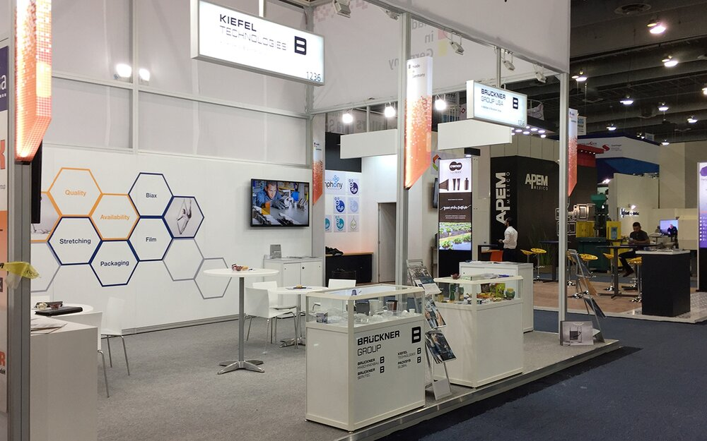 Joint Brückner Group booth 5 minutes before Plastimagen opening