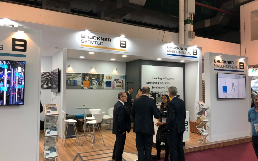 Interesting discussions at the Brückner booth