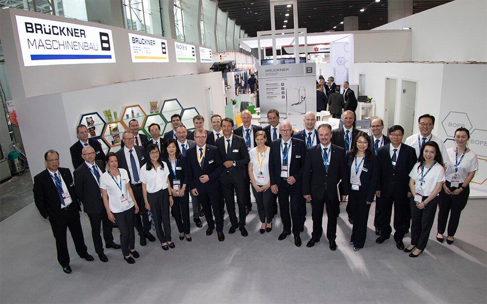 Accumulated BO expertise: Brückner Maschinenbau and Brückner Servtec staff