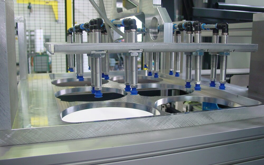 Thermoforming machine - Stacking