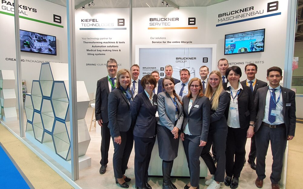 Brückner, Kiefel and PackSys Global booth staff say: Thank you! Spassiba!