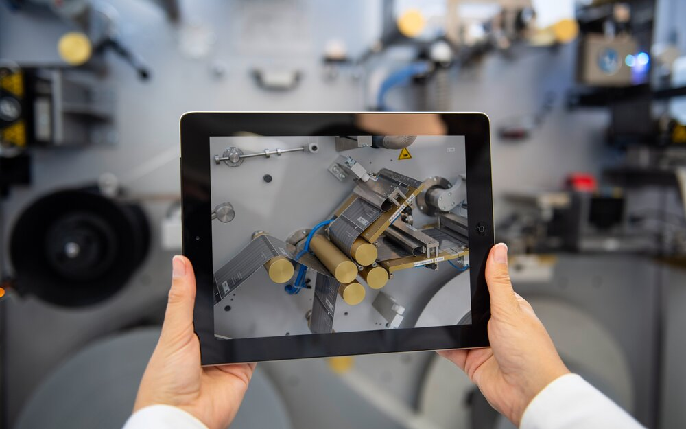 Holding tablet in front of LTR2 machine