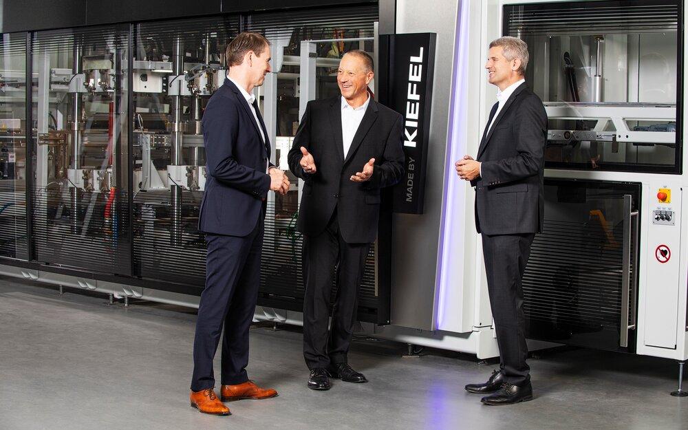 Stefan Moll, CTO – Thomas J. Halletz, CEO – Peter Eisl, CFO